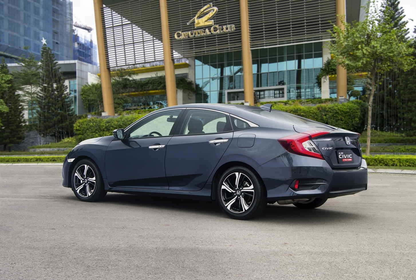 Honda vietnam officially announced the price of first for How much to lease a honda civic